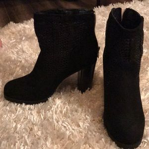 Black Juicy Boots